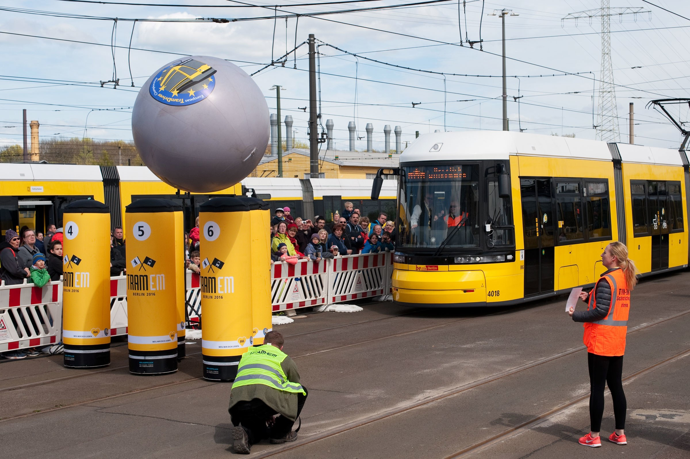 tram+bowling+is+an+actual+sport.+let%27s+look+at+the+physics