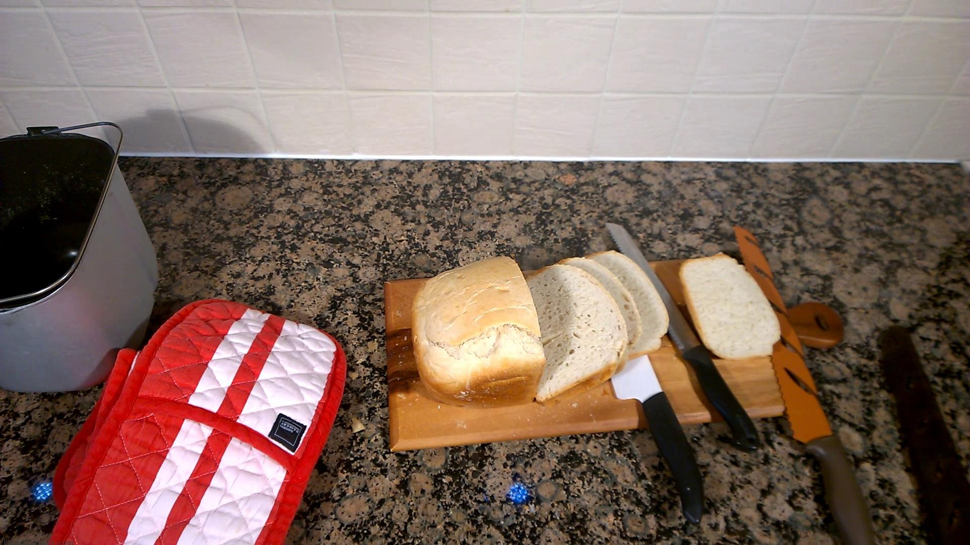 making_simple_bread_with_panasonic
