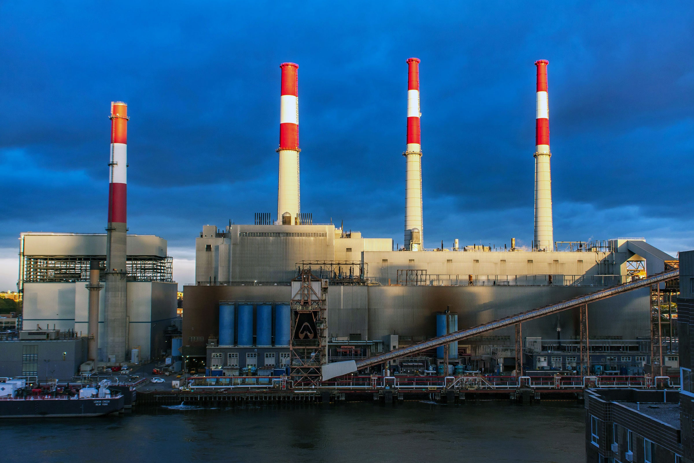 The Drive to Replace Summer-Only 'Peaker' Power Plants